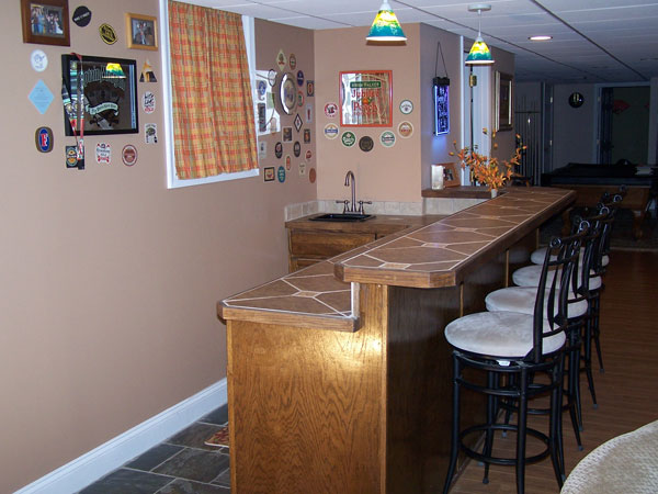 Nottingham Custom Home Bar General Contractor